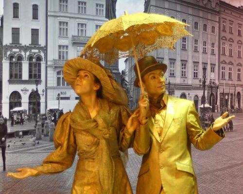 zywe rzeźby złota para